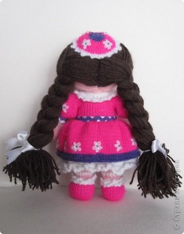 Эти куколки покорили всех!! А создала их Наталья (natali7775) Они просто бесподобны!! Их до сих пор вяжут на Сатилине онлайн, так что заходите, регистрируйтесь и вяжите на здоровье! Эту куколку я вязала новорожденной девочке. фото 4