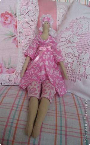 Девушка, жизнь которой проходит среди подушек. фото 1