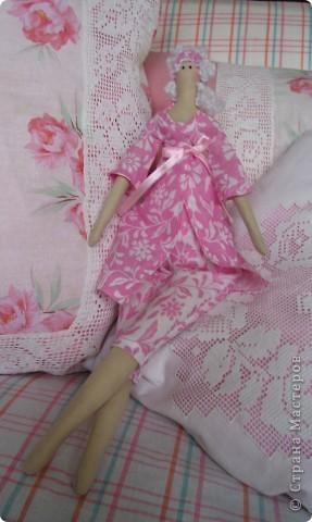 Девушка, жизнь которой проходит среди подушек. фото 2