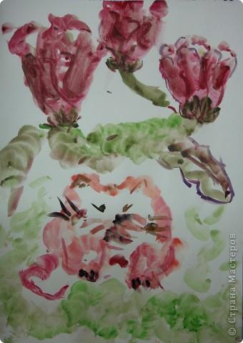 ребята все пожелали нарисовать котенка в цветах в японской технике. Это котенок Варвары Федоровой (6л) фото 1
