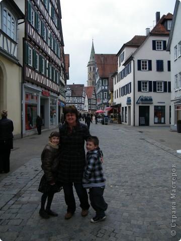 Из  Википедии: Шорндорф (нем. Schorndorf) — город в Германии, районный центр, расположен в земле Баден-Вюртемберг. Подчинён административному округу Штутгарт. Входит в состав района Ремс-Мур. Население составляет 39 196 человек (на 31 декабря 2006 года). Занимает площадь 56,86 км². Город подразделяется на 7 городских районов. фото 7