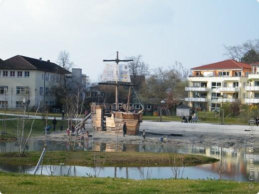 Из  Википедии: Шорндорф (нем. Schorndorf) — город в Германии, районный центр, расположен в земле Баден-Вюртемберг. Подчинён административному округу Штутгарт. Входит в состав района Ремс-Мур. Население составляет 39 196 человек (на 31 декабря 2006 года). Занимает площадь 56,86 км². Город подразделяется на 7 городских районов. фото 16