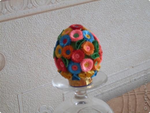 Букетик выполнен на основе- пустое куриное яйцо. Работали вдвоем с дочкой. фото 2