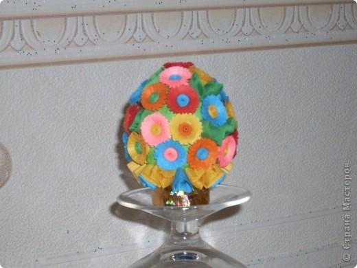Букетик выполнен на основе- пустое куриное яйцо. Работали вдвоем с дочкой. фото 1