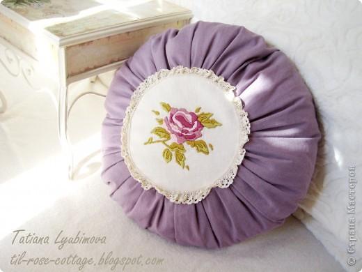 Тильда-подушечка с легким ароматом лаванды. Мастер-класс по Лавандовой подушке вы можете посмотреть здесь: http://til-rose-cottage.blogspot.com фото 2