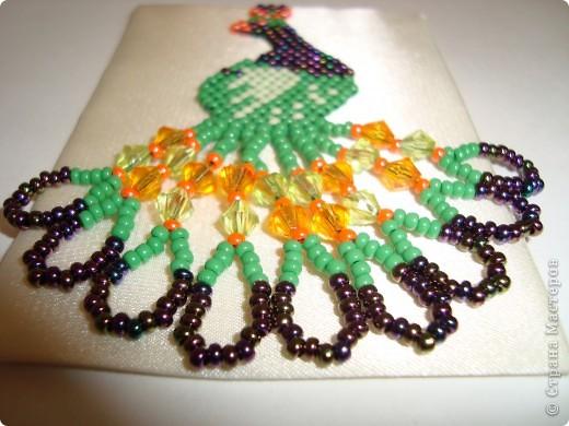 Для изготовления АТС использовала тёмно-синий атлас и атлас цвета слоновой кости. Павлинчики выполнены кирпичным плетением, использовала чешкий бисер и гранёные пластиковые бусины.  Первое право выбора: OKSANA.A (долг за платьешко), Yulia L, Юность. фото 7