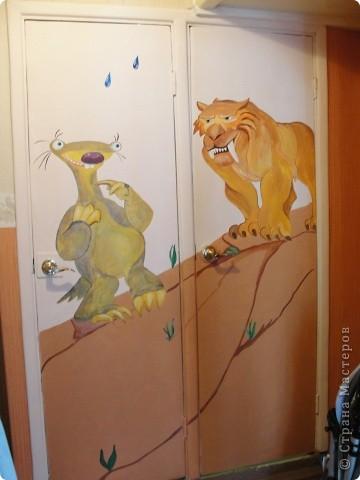 двери санузла, для детишек :) акрил и водоэмульсионка