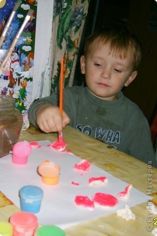Это Викуля в 1,5 года рисует акварелью. С чувством! фото 8