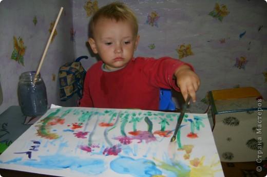 Это Викуля в 1,5 года рисует акварелью. С чувством! фото 5