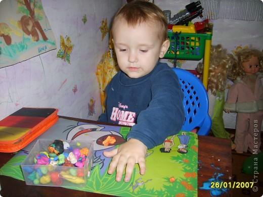 Это Викуля в 1,5 года рисует акварелью. С чувством! фото 10