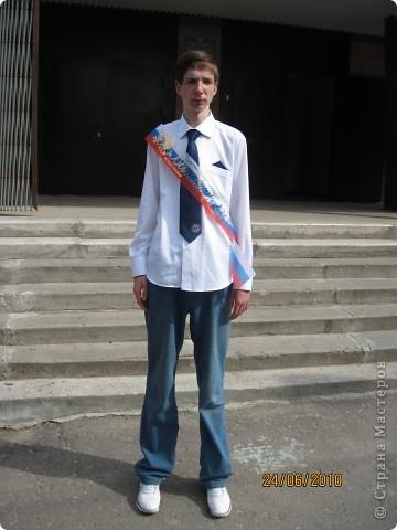 Вот эту кофточку, шарфик и брюки я сшила сама! На Вани - это мой сын - джинсы я тоже сшила сама и декоративный платочек в тон галстука тоже я сшила! фото 3
