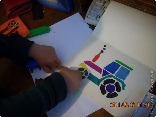 """Учимся рисовать пластилином.  Это работа моего младшего из мальчишек -) Старался всё делать сам, не смотря на всяческие мамины попытки """"помочь"""" ))) фото 1"""