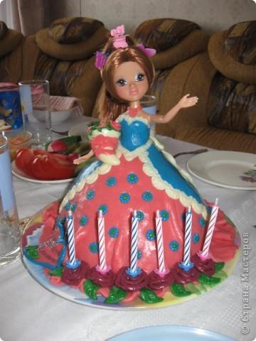 Этот тортик делала в подарок для племянницы. Внутри обычный муравейник, ну мне же главное полепить! фото 1