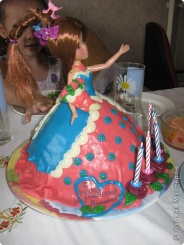 Этот тортик делала в подарок для племянницы. Внутри обычный муравейник, ну мне же главное полепить! фото 2