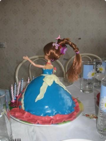 Этот тортик делала в подарок для племянницы. Внутри обычный муравейник, ну мне же главное полепить! фото 3