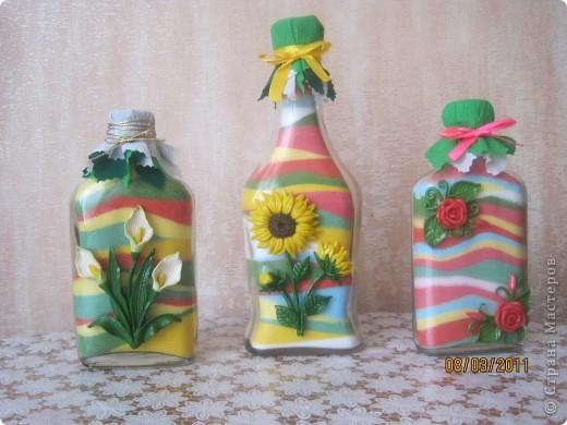 Мои бутылочки в подарки на 8 марта. Украшены цветочками из солёного теста, ну куда-же я без него!? фото 1