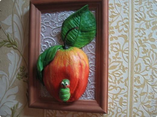 Повторялка-яблочко для коллеги по работе.Благодарю от души Архипову Марину за подробный МК по росписи.Все оказалось сложнее,чем я думала. фото 1