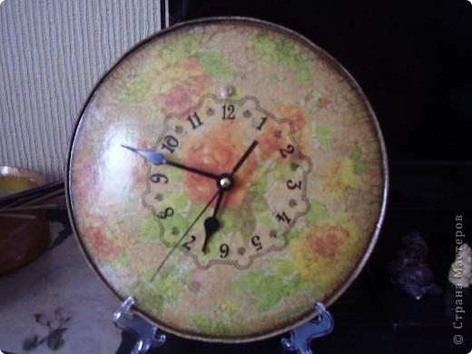 часы из крышки для сковороды фото 1