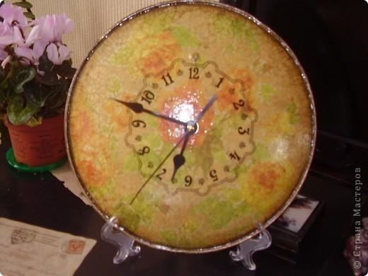 часы из крышки для сковороды фото 2