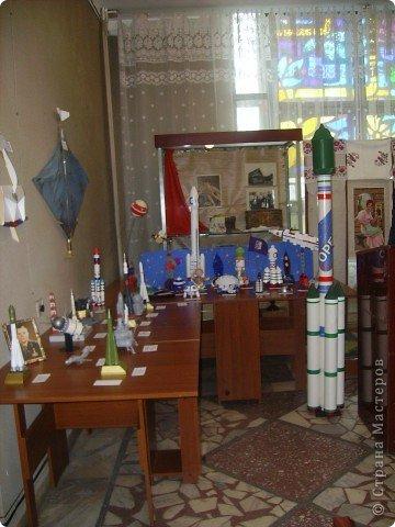 """Кружок """"Ромашка """" готовился ко дню космонавтики. Модели, которые мы сделали к 50-летию полета Ю.А. Гагарина фото 8"""