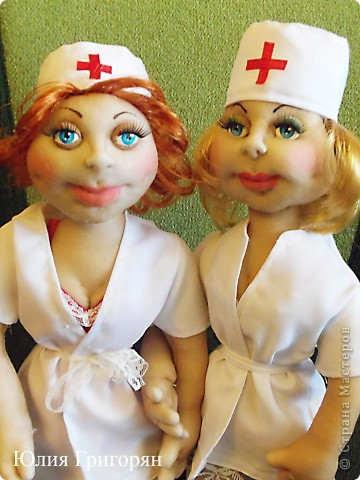 Мои медсестрички - это заказы ко дню медика! Очень хочется сшить мужчину, но почему-то спросом у меня пользуются девчонки. фото 1