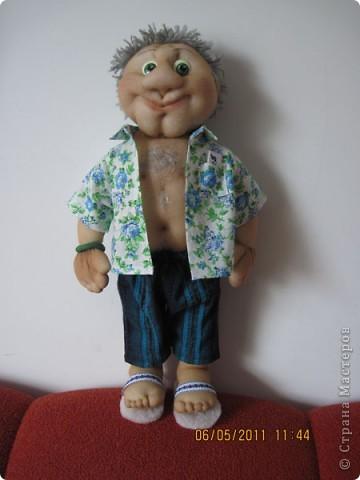 С большим удовольствием делала эту куклу. Вася сделан в подарок. На рубашке у него есть кармашек, а там баксы. фото 1