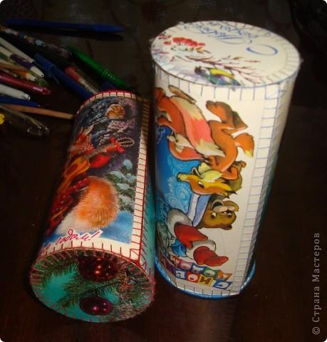 Жили- были старые, старые открытки, всеми забытые, никому не нужные... Приближался день рождения дочки и Новый год... Решила в подарок гостям сделать небольшие подарочки (ведь подарки приятно не только получать, но и дарить). фото 2