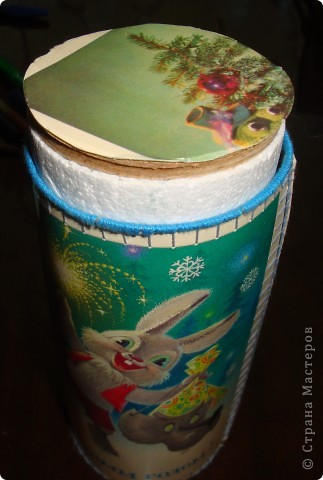 Жили- были старые, старые открытки, всеми забытые, никому не нужные... Приближался день рождения дочки и Новый год... Решила в подарок гостям сделать небольшие подарочки (ведь подарки приятно не только получать, но и дарить). фото 8