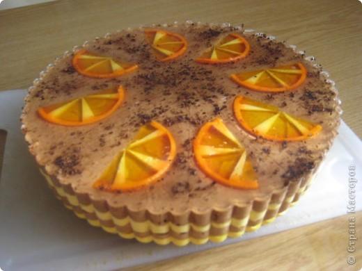 """загорелась идеей сделать тортик из мыла, столько красивых идей находила в интернете... и вот мой самый первый тортик из детского мыла. на весь торт ушло 3 куска детского мыла, молока примерно 300-400мл, 3 ложки персикового масла, эфирное масло апельсин, ну и мыло """"дуру"""" и """"палмолив"""" фото 6"""