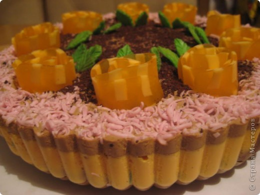 """загорелась идеей сделать тортик из мыла, столько красивых идей находила в интернете... и вот мой самый первый тортик из детского мыла. на весь торт ушло 3 куска детского мыла, молока примерно 300-400мл, 3 ложки персикового масла, эфирное масло апельсин, ну и мыло """"дуру"""" и """"палмолив"""" фото 8"""
