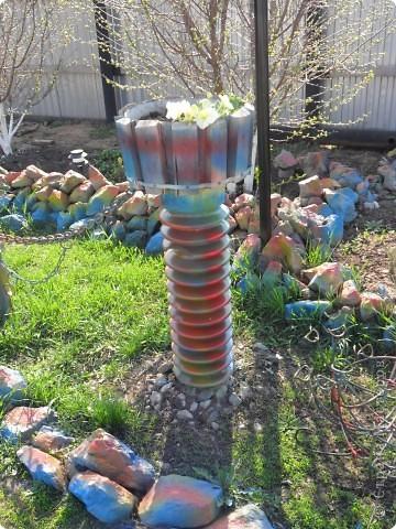 Это наш водоём-фонтан преобразился после зимы. Камни покрасили компрессором. А было вот так http://stranamasterov.ru/node/90071 фото 6