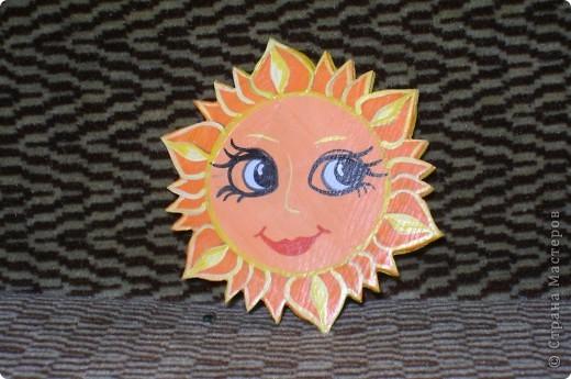 """Самые маленькие ребята начинают вот с таких плоскостных сувениров """"солнышко"""". фото 1"""