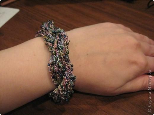 """Вот такой я сотворила браслет. Использовала бисер цвета хамелион и нитки """"Ирис""""  цвет-хамелеон металлик фото 4"""