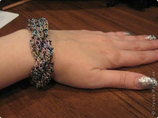 """Вот такой я сотворила браслет. Использовала бисер цвета хамелион и нитки """"Ирис""""  цвет-хамелеон металлик фото 2"""