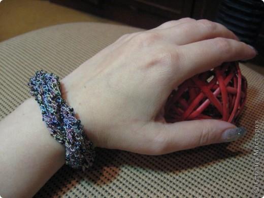 """Вот такой я сотворила браслет. Использовала бисер цвета хамелион и нитки """"Ирис""""  цвет-хамелеон металлик фото 1"""