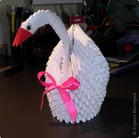 этого лебедя я сделал на кружке оригами  он стоит у нас в школе на первом этаже фото 2