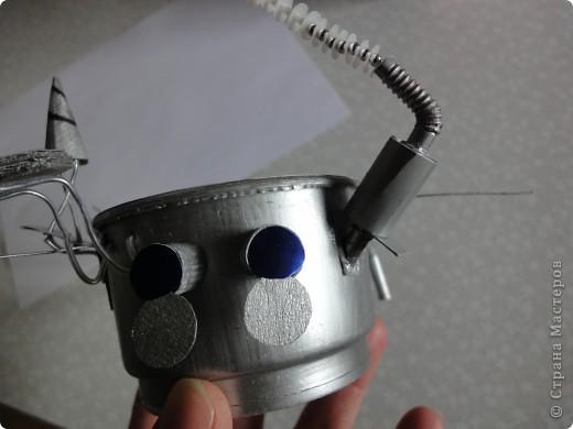 Запоздало выкладываю наш луноход, который был сделан ко Дню космонавтики на конкурс.   Конечно, мастер-класс - это в первую очередь то,  что ты сделал уже не один раз и в чем преуспел, но очень хочется рассказать, как мы делали нашу луну и луноход.  фото 24