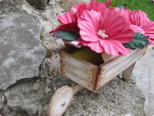Вот такую коробочку для.. я сделала по случаю Дня рождения  одного очень хорошего человека фото 3