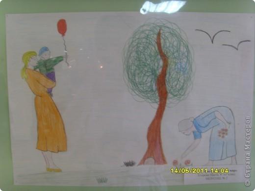 """14 мая наш благотворительный фонд """"Вера, Надежда, Любовь""""  провел выставку рисунков детей с ограниченными возможностями здоровья, посвященную Дню семьи """" Я+Моя семья=Мой мир"""" фото 10"""