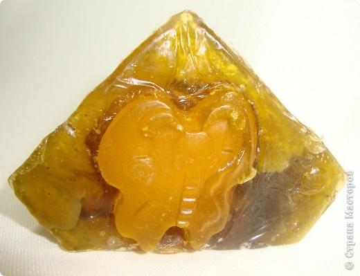 Золотая рыбка  Мыльная основа, масло шиповника, масло зародышей пшеницы, витамин Е, зеленый чай, эфирное масло полыни. фото 4