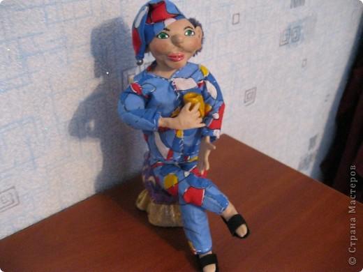 Моя первая куколка, не судите строго его наряд, потому что шить я совершенно не умею