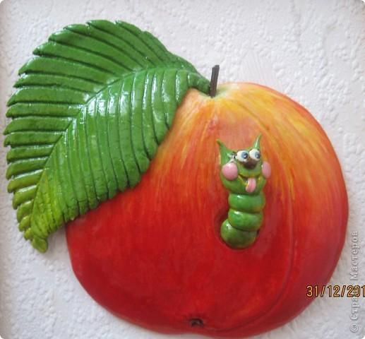 Огромное спасибо Марине Архиповой за её яблоко с червяком! Не даром - это один из самых популярных МК. Посмотришь на такое яблочко и улыбнуться хочется! фото 1