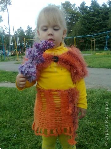 Люблю вязать, особенно детские вещи. Для своей любимой доченьки часто вяжу обновки и мне кажется такой солнечный цвет в сочетании с разнофактурной пряжей ей очень идёт. фото 1