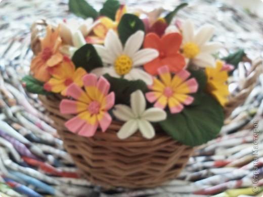 Корзина с мелкими цветочками фото 1