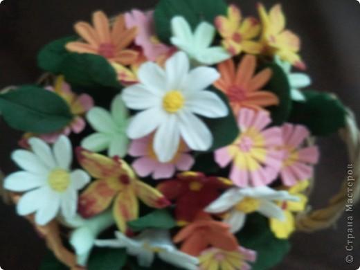 Корзина с мелкими цветочками фото 2