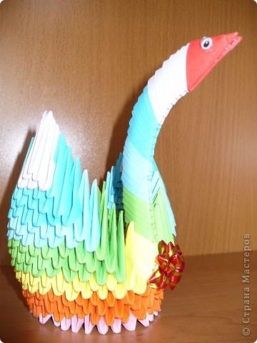 Этот радужный лебедь был сделан по МК Татьяны Просняковой http://stranamasterov.ru/technic/swan фото 3