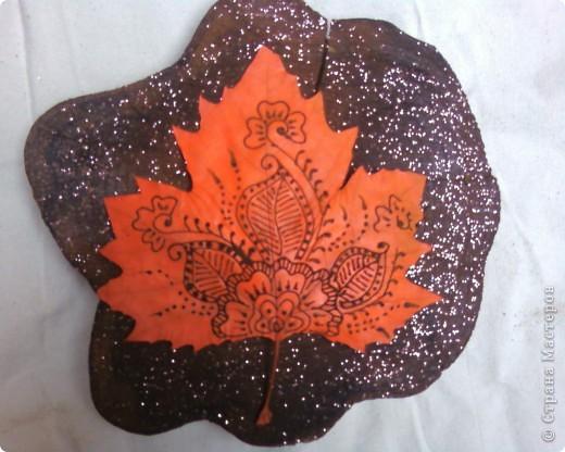 Рисуем на кленовых листьях хной! фото 4