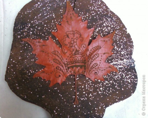 Рисуем на кленовых листьях хной! фото 5