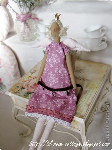 Давно хотела сшить именно такую принцесску, близкую к оригиналу... ) фото 3