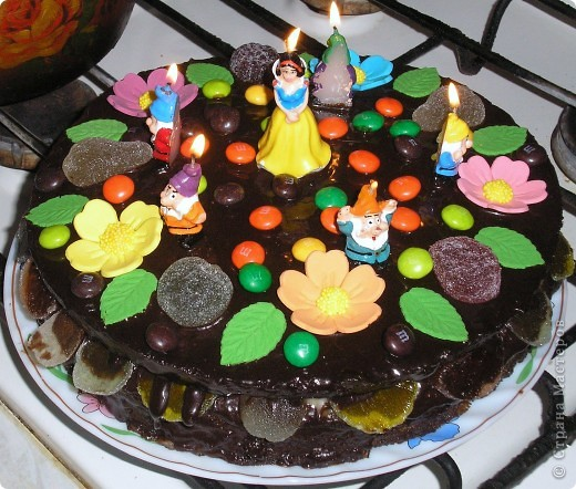 Торт пекла и украшала сама. Деткам очень понравился!!! фото 1